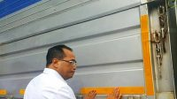 Jangan Asal Tempel, Pasang Stiker di Truk Ada Aturannya